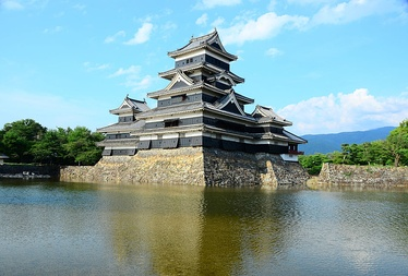 The moat surrounding Matsumoto Castle