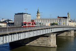 The central Nibelungenbrücke