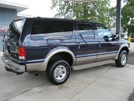 Class 2 2001 Ford Excursion 4×4 (GVWR: 8,600 pounds (3.9 t)