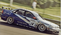 Morbidelli driving for Volvo in the 1998 British Touring Car Championship.