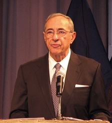 Mario Cuomo giving a speech in 2007