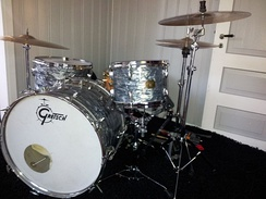 Collins has used Gretsch drums since 1983.[176]