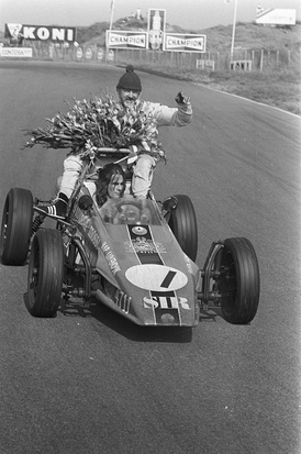 Arie driving his fathers car after his father, Jaap, won the European Formula Vee championship in 1972.