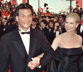 Swayze and his wife, Lisa Niemi, arrive at the 1989 Academy Awards ceremony