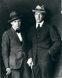 Yesenin (right) with Marienhof in 1915
