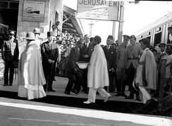 Haile Selassie passes through Jerusalem on his way to exile in England.