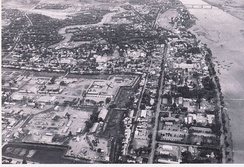 The Quảng Trị Citadel and part of Quảng Trị City looking south, as they were in 1967