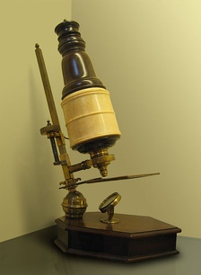 A 17th-century compound microscope.Whipple Museum Collection.