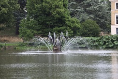 A 1/30 s exposure showing motion blur on fountain at Royal Botanic Gardens, Kew