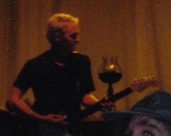Lead guitarist Mike McCready in Columbia, Maryland on September 18, 1998