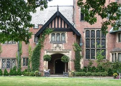 Stan Hywet Hall and Gardens entrance