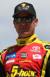 Clint Bowyer was accused of intentionally spinning his car to help Martin Truex Jr. make the Chase.