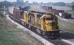AT&SF 5051 was eastbound at Marceline, MO in August 1983 (28903615785).jpg
