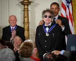 President Obama presents Dylan with a Medal of Freedom, May 2012