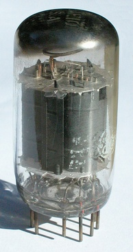 A General Electric 12AE10 double pentode