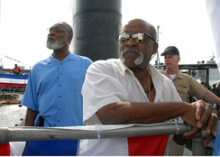 Tiant aboard the USS Albany, June 2007