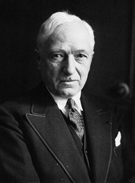 FIFA president Jules Rimet convinced the confederations to promote an international football tournament.