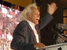 Manolis Glezos during the 2007 elections