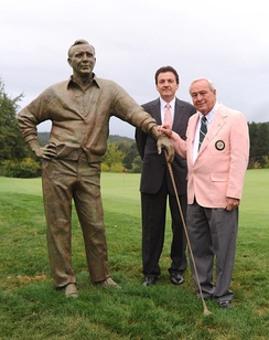 Arnold Palmer statue unveiled at Laurel Valley Golf Course, Ligonier, PA, on September 10, 2009, in honor of Palmer's 80th birthday. Pictured: Arnold Palmer with sculptor Zenos Frudakis.