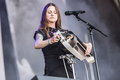 Anna Murphy (Cellar Darling; former Eluveitie) plays a modern version of the hurdy-gurdy