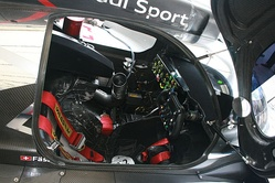 Cockpit of the R18.