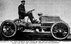 Henri Fournier on his uniquely damped and racewinning 'Mors Machine', photo taken 1902