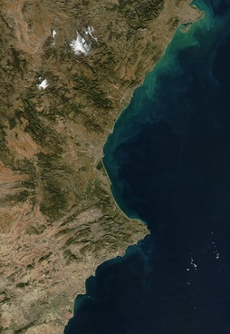 Satellite picture of the Valencian Community; the dry area in the South is easily noticed. Original by NASA