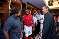 Barack Obama talks with Howard and Prince Fielder (left), before the start of the MLB All-Star Game.