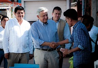 Salomón Jara Cruz (left) and López Obrador (center) in San Baltazar Chichicapam, Oaxaca, in March 2016