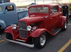 1932 Ford De Luxe Coupe V8