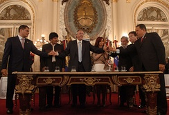 Rafael Correa, Evo Morales, Néstor Kirchner, Cristina Fernández, Luiz Inácio Lula da Silva, Nicanor Duarte, and Hugo Chávez signed the founding charter of the Bank of the South.