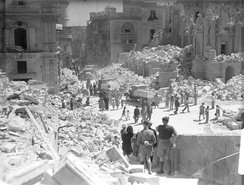The heavily bomb-damaged Kingsway (now Republic Street) in Valletta during the Siege of Malta, 1942