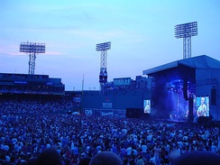 Dave Matthews Band in concert, 2006
