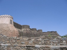 The walls of the fort of Kumbhalgarh extend over 38 km
