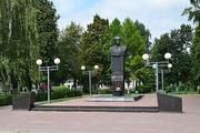 Памятник С. С. Бирюзову