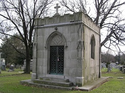 Cohan's mausoleum in Woodlawn Cemetery