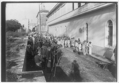 Philippines, Manila, 1899– U.S. soldiers and insurrecto prisoners