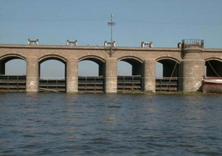 Ibrahimiya Canal Intake Regulator, also completed in 1902