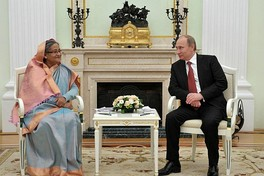 Sheikh Hasina and Vladimir Putin in Moscow, 2013