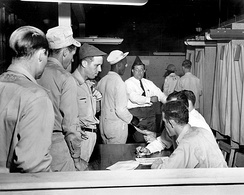 Labor union voting by federal workers at the Oak Ridge National Laboratory (1948)