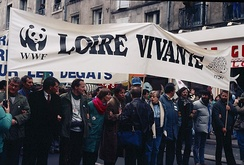 Loire Vivante WWF protests in 1989 against the proposed Serre de la Fare dam