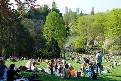 The lawns of the Parc des Buttes-Chaumont on a sunny day