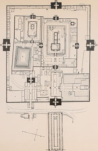 Plan of Meenakshi Amman Temple, Madurai, from 7th century onwards. The four gateways (numbered I-IV) are tall gopurams.