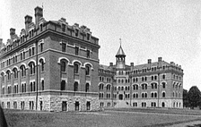 Kissam Hall was a men's dormitory from 1901 until it was demolished in 1958. The baths were all in the basement.