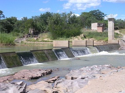 Stream gauge B62, a combination weir at Doddieburn, on the Mzingwane River, Zimbabwe