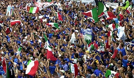 Tifosi of the Italy national football team during the UEFA Euro 2000.