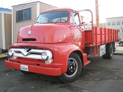 """Helmet-shaped"" COE (1955 Ford C-600)"