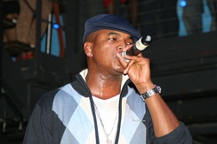 Ne-Yo promoting Because of You in 2007