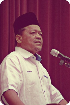 "Minister Shahidan Kassim: ""The Federal Constitution does not recognise people without religion (...).I suggest we hunt them down.""[253]"