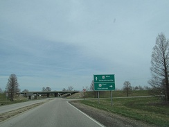 IL 33 approaching its southern terminus at US 50